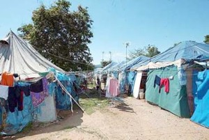 Mangsa kebakaran masih tinggal dalam khemah setelah lebih setahun